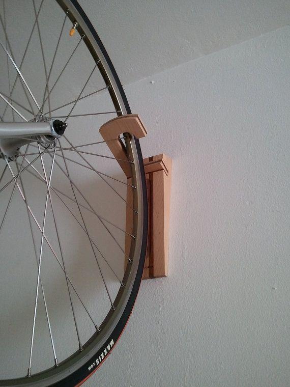 Hank soporte de pared para bicicletas por WoodOOcycles en Etsy