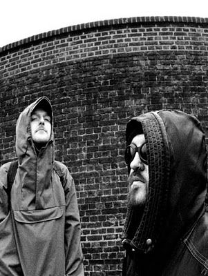 Justin Broadrick and Kevin Martin got together as The Sidewinder, essentially a side project of Techno Animal to mix up some heavy modern lo-fi electronica.
