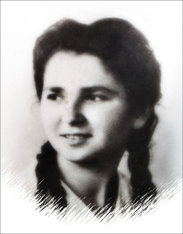 ELEONORA SOMMARIVA, 19 ANNI. AUSILIARIA X MAS, REPUBBLICA SOCIALE ITALIANA ASSASSINATA A THIENE, IN UNA IMBOSCATA, DAI PARTIGIANI, IL 29 APRILE 1945, A GUERRA FINITA. SEPOLTA A MILANO, CAMPO X CAMPO DELL'ONORE, CIMITERO MAGGIORE