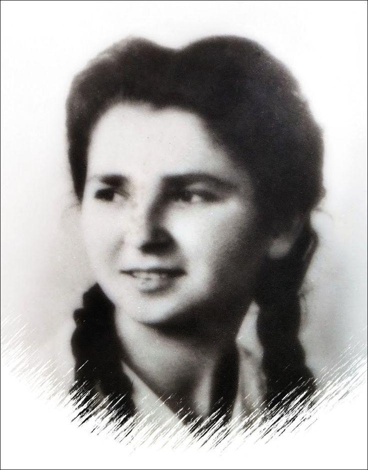 ELEONORA SOMMARIVA, 19 ANNI, AUSILIARIA X MAS, REPUBBLICA SOCIALE ITALIANA, ASSASSINATA A THIENE, IN UNA IMBOSCATA, DAI PARTIGIANI, IL 29 APRILE 1945, A GUERRA FINITA. SEPOLTA A MILANO, CAMPO X CAMPO DELL'ONORE, CIMITERO MAGGIORE