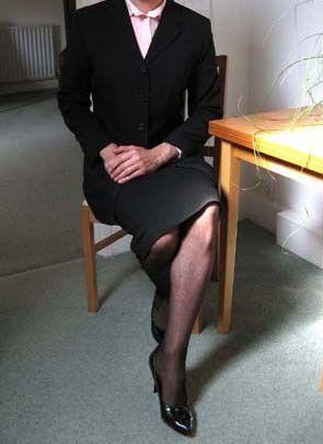 High heels the new male fashion. Feminized Men Make the ...