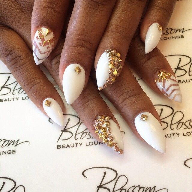 White & Gold by @blossombeautylounge on Instagram