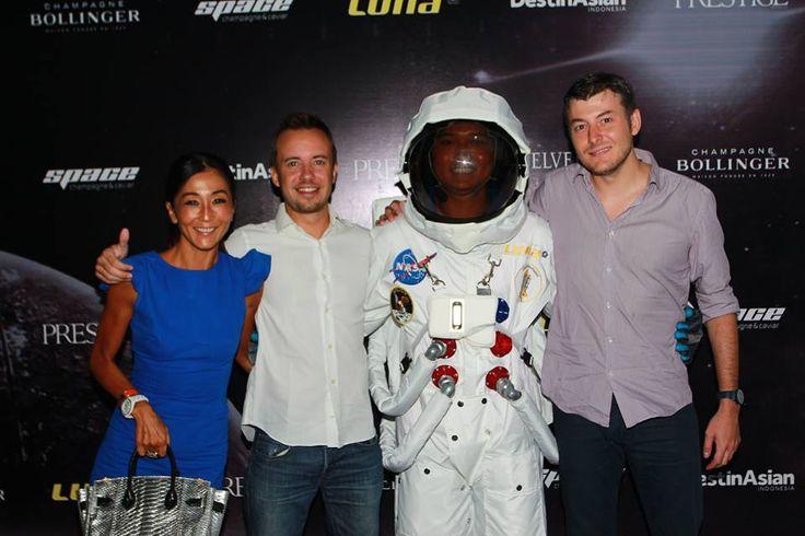 #Lunafriends #Spacechampagne&caviar #Astronaut #Launch #Party @Luna2 #Friends #Seminyak #Bali