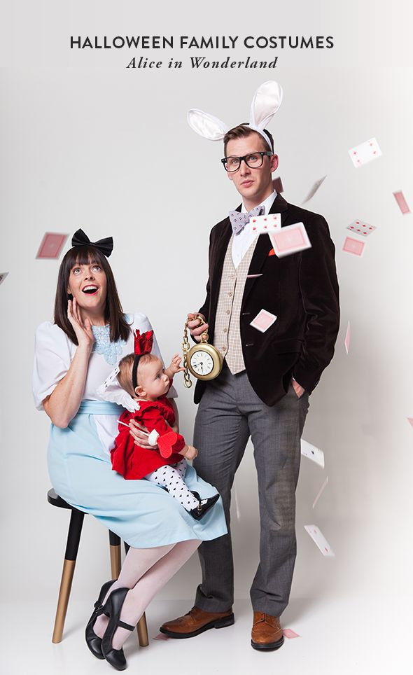 Halloween Family Costumes: Alice in Wonderland