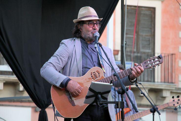 https://flic.kr/p/TRNoeL   Carlo Muratori   cantautore della  cultura popolare siciliana