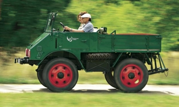 1951 Mercedes Benz Unimog - What a cool convertible! El original !!!