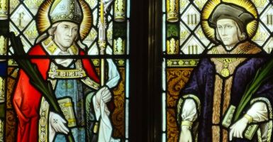 Elk jaar op 22 juni vieren we de feestdag van twee opmerkelijke katholieke heiligen en martelaren: Saint Thomas meer en Saint John Fisher. Het passend dat deze twee mannen een feestdag delen, omdat ze beide rechtvaardig Engelsen gemarteld binnen twee weken na elkaar, voor de dezelfde oorzaak, op dezelfde gelegenheid, en door toedoen van dezelfde man waren.