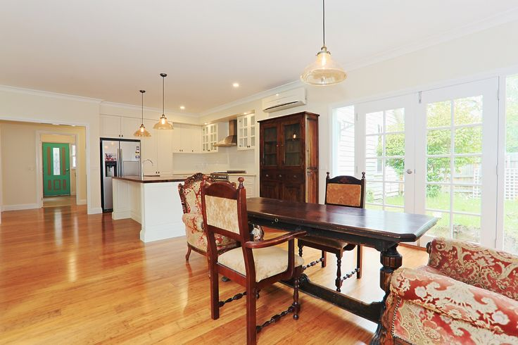 Beautiful & Classic, a timeless kitchen & dining design.
