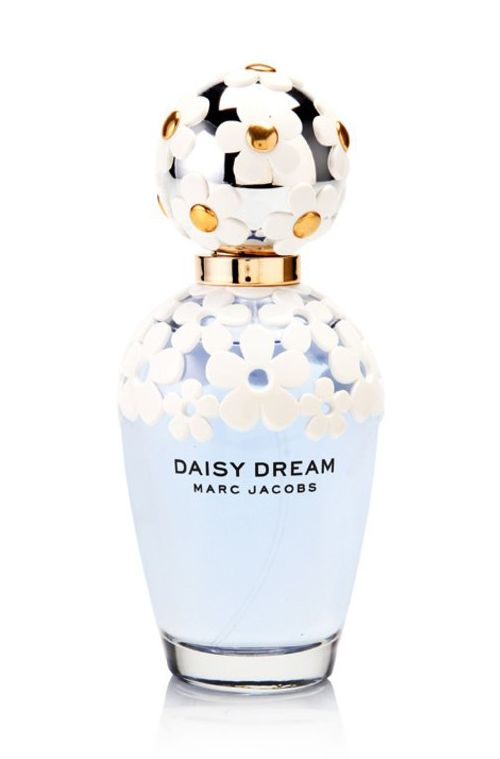 Daisy Dream Women by Marc Jacobs launches in summer 2014. The bottle decorates with a daisy, made from unusual floral and fruity aromas, blackberries, pear,  jasmine, blue wisteria and coconut water. Perfect for everyday use. http://www.zocko.com/z/JJ8S5