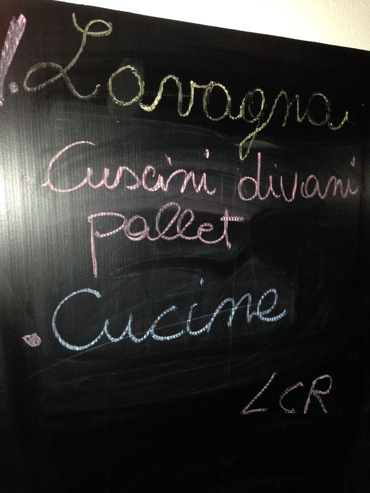 Lavagna a muro o muro lavagna? http://www.lacasarubata.it/dove-si-mangia/muro-lavagna/