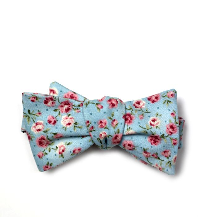 I am in love with this bow tie. Given, I am in love with all bow ties.