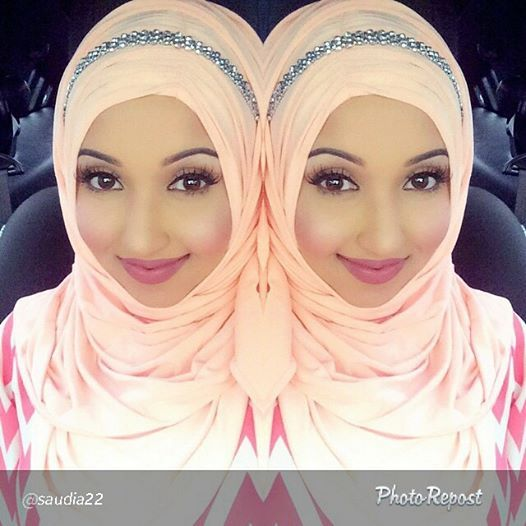 Gorgeous #saudia22 spotted in our #Coral #Maxi #Jasmine #Hijab! Love how she styles her hijabs with #headbands! Www.hijab-ista.com #hijab_istaforlife #hijab_ista #spotted #bestcustomersever #jasminehijab #hijab_istaholic #hijabista