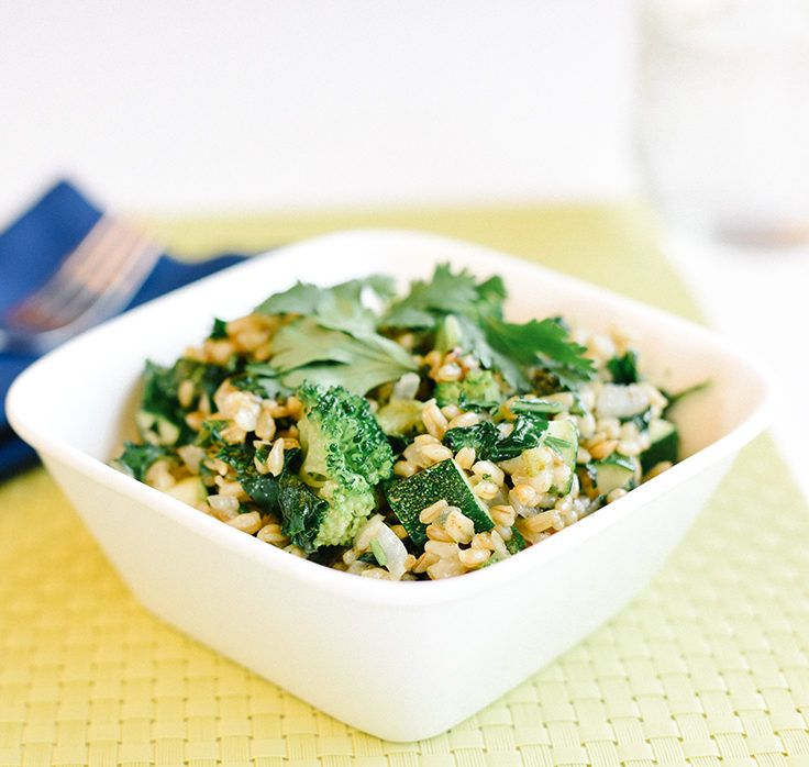 This nourishing combo of veggies and oats is ideal for a speedy breakfast or dinner. #energybowl #green #healthy http://greatist.com/eat/recipes/green-energy-bowl
