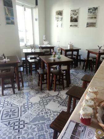 Paiol is een bijzonder en klein tapas restaurant in Fuseta  Tevens kleine winkel met streekproducten
