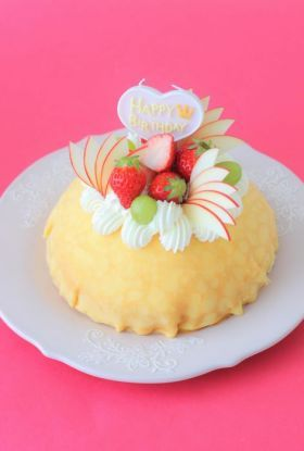 Crêpe cake with custard cream filling/バースデーミルクレープ