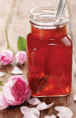 Rose Syrup Recipe & many other rose recipes. Sugared petals, tea, lemon & rose sugar! Beautiful! Text is all French, but Google Translate works nicely. @Beth J J Stevens