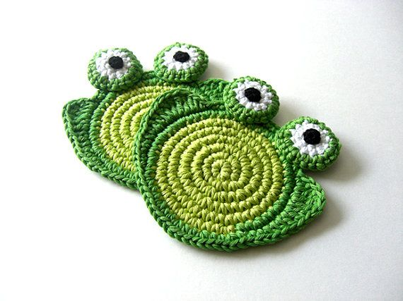 Sweet Green Frog Coasters . Beverage Drink Tea Coffee Pastel Decor Crochet Cute Collection - Set of 2
