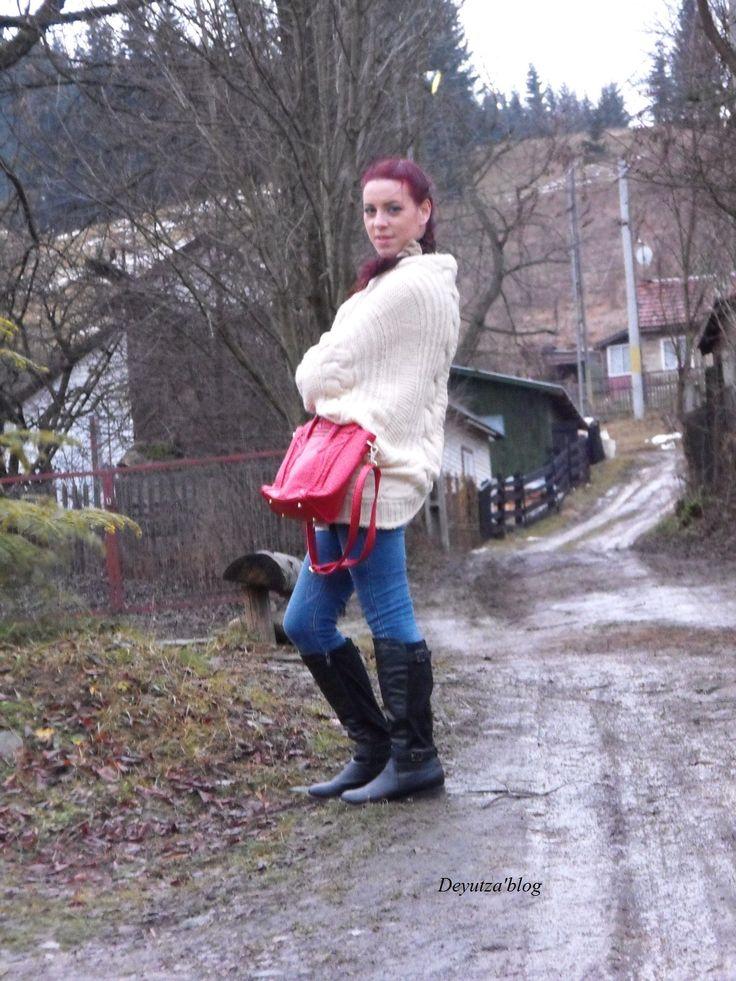 http://www.amiclubwear.com/shoes-boots-fli-claudia-59black.html  http://www.amiclubwear.com/accessories-handbags-ami88-xlb01mred.html