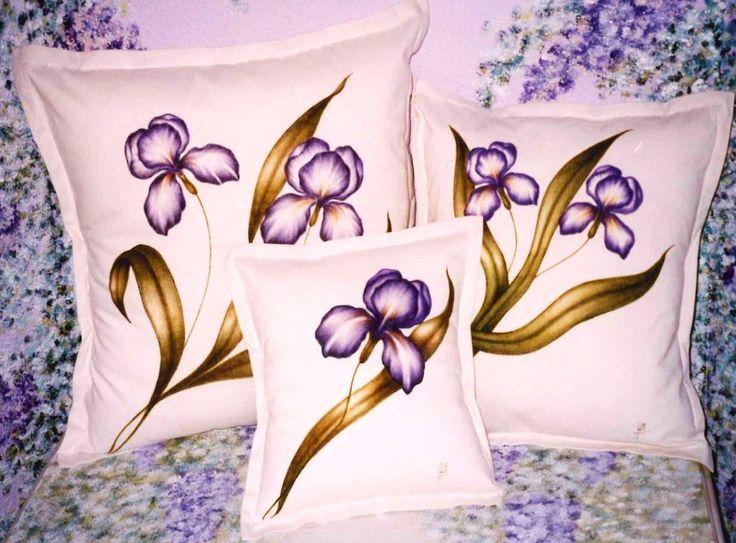 Artesanía y Diseño Adagio : Cojines pintados: Calas, Lirios, Tulipanes, Hojas…