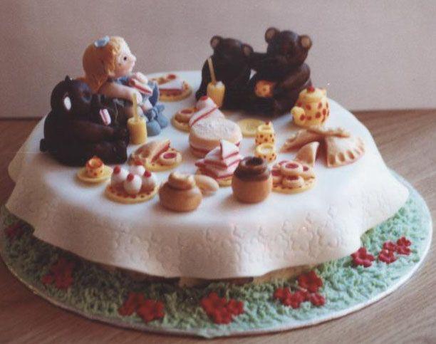 Goldilocks cake by 14purpleflowers