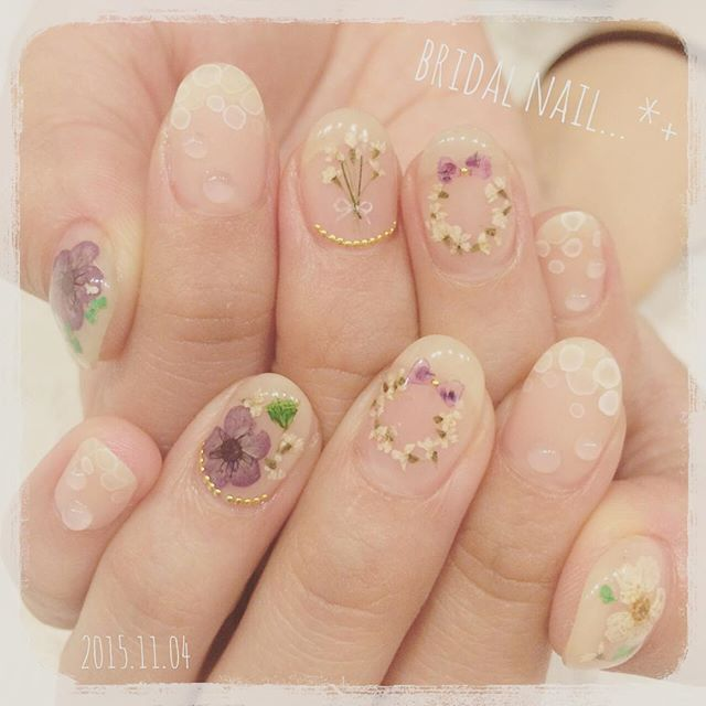Purple Wreath Flower Nails