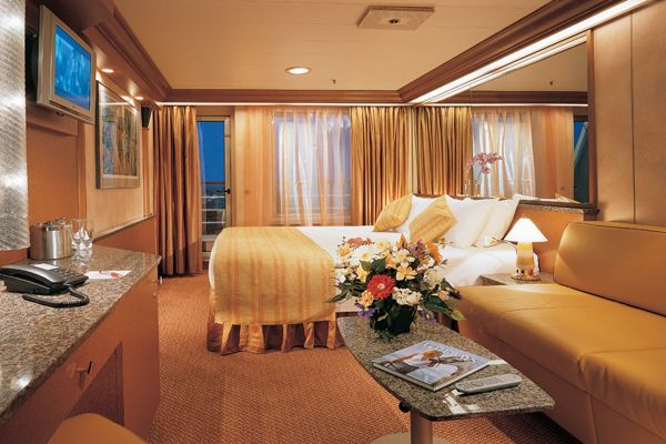 Carnival fantasy staterooms suite w balcony pictures for Cruise balcony vs suite