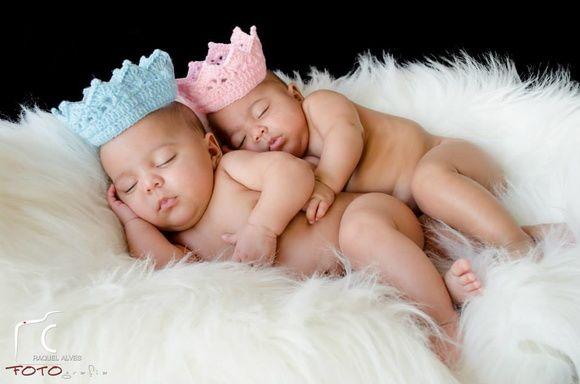 2 Coroas Em Crochê Azul & Rosa