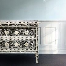 Chest of drawers with intarsia flower mosaic