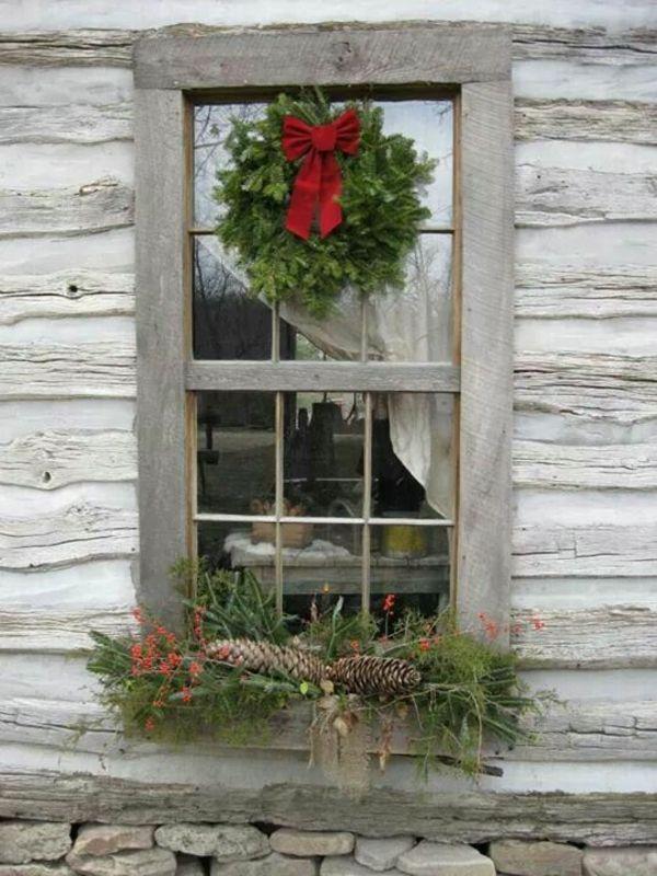 fensterdeko weihnachten weihnachtsdeko fenster dekorieren von au en ideen rund ums haus. Black Bedroom Furniture Sets. Home Design Ideas