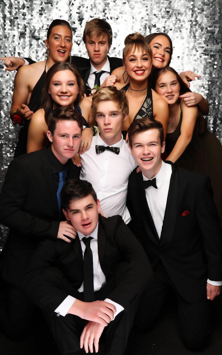 Baradene College School Ball 2017. Love this group photo!