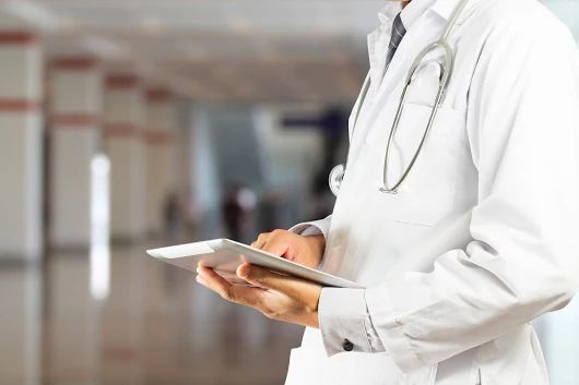 Psychiatrická léčebna Červený Dvůr se stala prvním zdravotnickým zařízením, které funguje na principech bezpapírové nemocnice. Přečtěte si, jak bezpapírová nemocnice funguje, co přináší lékařům a pacientům a co všechno se pod tímto pojmem vlastně skrývá. http://www.stapro.cz/budoucnosti-je-elektronicke-zdravotnictvi/