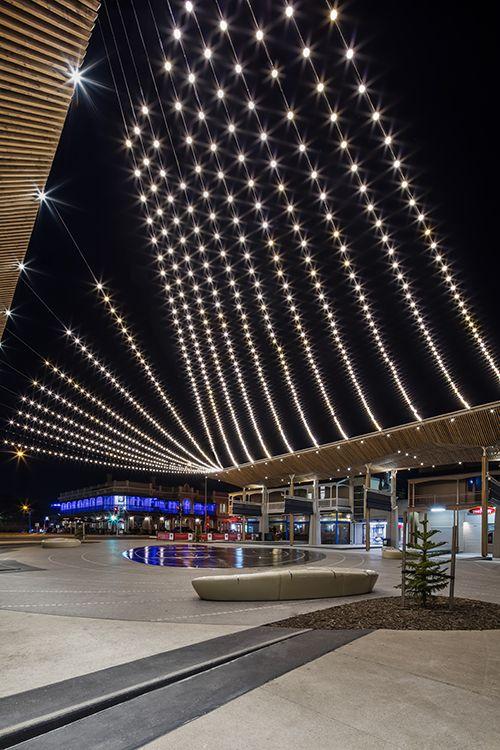 Henley square catenary lighting system adelaide for Urban design adelaide