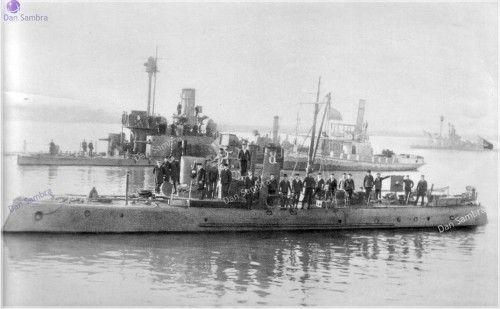 Romanian river monitors during WWI.Ion C. Bratianu, 1907-1916 / Mihail Kogalniceanu - avind la bord pe Contra-Amiralul Nicolae Negrescu, Turtucaia 1917.