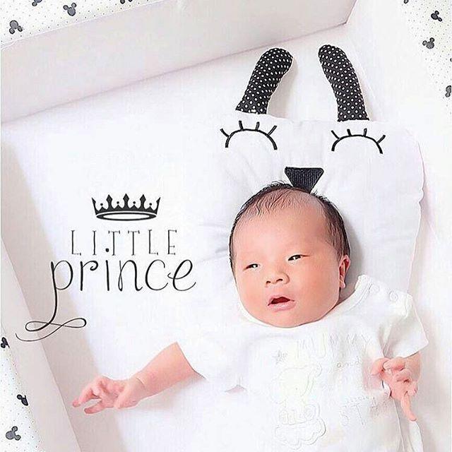 . 💛Restock💛 🐰Bantal Peang Kelinci🐰 (Infant / newborn baby pillow bunny) . READY STOCK Brand: Peignoir Nemuru ねむる H a r g a: 75k . . . Bahan: katun (ada extra bordir muka langsung) Warna/motif: Putih - telinga polkadot kecil hitam (Color might be 1% different depends on gadget screen) . Isi dalam: 100% silicon synthetic fiber (kualitas di atas dakron biasa, tdk mudah kempes) Size: 26x24 cm + 11cm telinga . . . . . . . #babyshower #bantalbayi #sprei #kidsdecor #bumperbayi #kasurlipat…