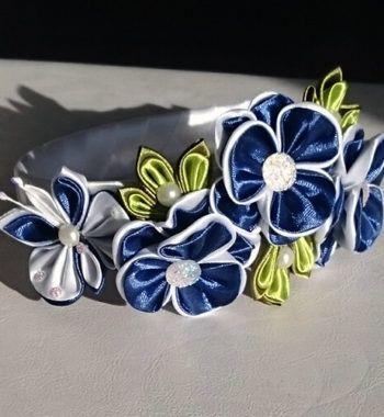 diadeem met vlinder en blauwe bloemen