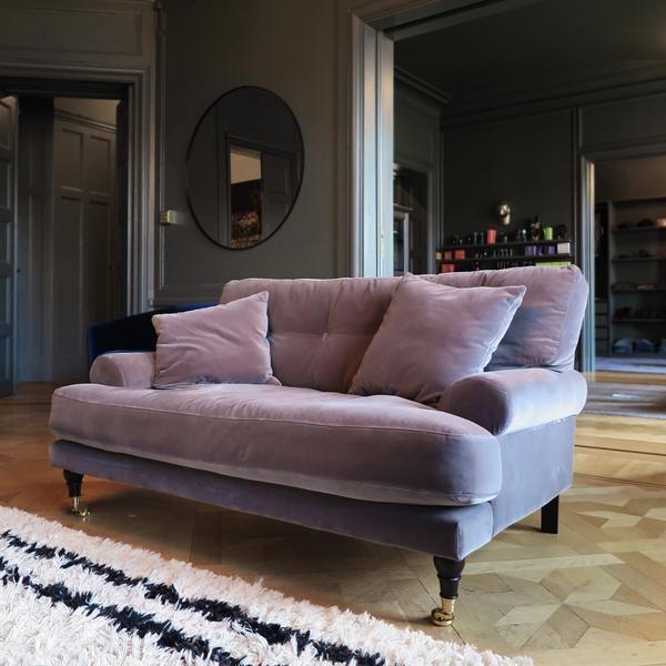 Velvet Seating In 2020 Velvet Sofa Velvet Furniture Sofa