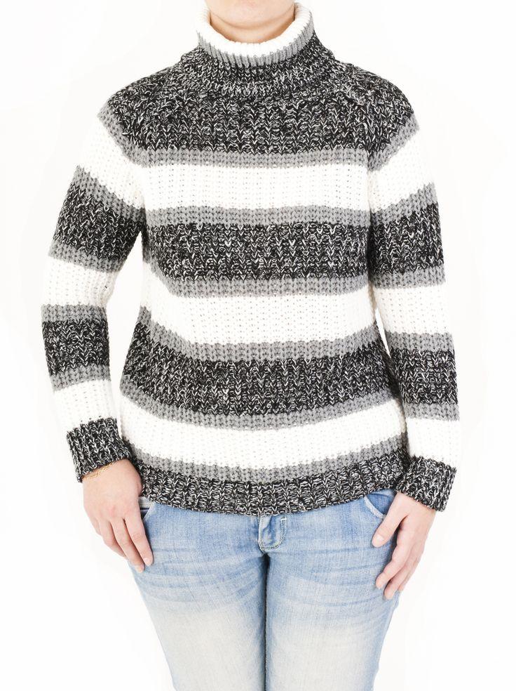 Jersey de punto cuello cisne con brillo plata por el lurex. Ideal para fiestas por ser elegante y vistoso. Llévate tu preferido de los 5 colores disponibles.