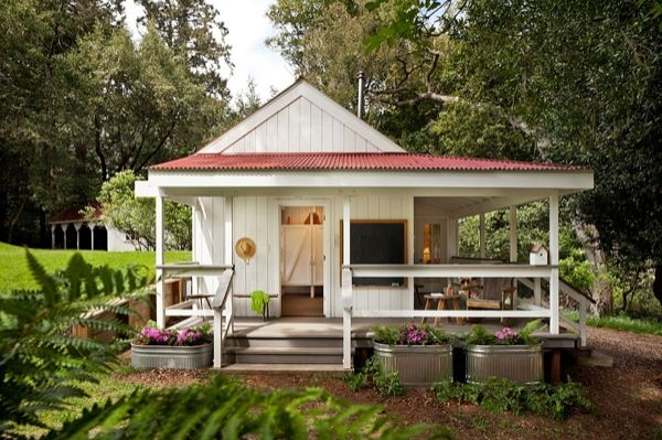 Adorbs, inside and out! 260 Sq Ft Camp House Cabin 01   260 Sq. Ft. Tiny Cabin on a Dairy Farm. http://tinyhousetalk.com/260-sq-ft-tiny-cabin/