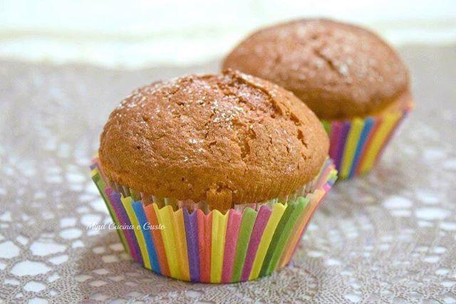 Piccole tortine deliziose per iniziare la settimana I muffin alle mele e panna acida. <3 Buona settimana da #mindcucinaegusto  http://www.mindcucinaegusto.com/muffin-panna-acida-mele/. #muffin #mele #panna #acida #panna_acida  #food #sweet #recipe #buongiorno #monday #colazione #breakfast #foodblogger #foodstagram #foodporn #foodpics #foodshare #photography #nikond3300 #goodmorning #instagood #instalike #instafood #instalife #like4like #likeforlike #like4follow #mindcucinaegusto #tortine…
