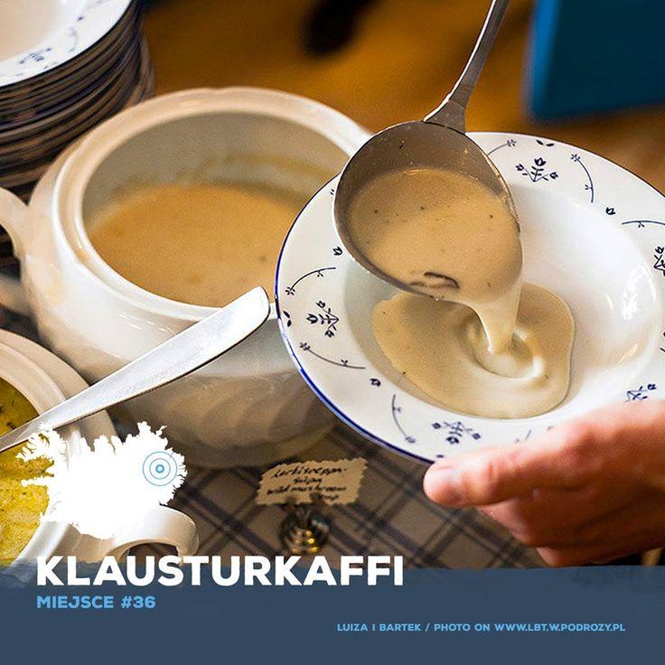 Lunch podawany jest tu w formie bufetu daje możliwość skosztowania zupy z dzięgla, pulpetów z baraniny i renifera, buraczków z lukrecją, dżemu z mchu, islandzkich ciasteczek, czekoladowego ciasta i herbaty z islandzkich roślin. Islandia #food #restaurant #iceland #adventure #traveling #podróż #przygoda #wycieczka #podróżkulinarna #tourism #igdaily #igericeland
