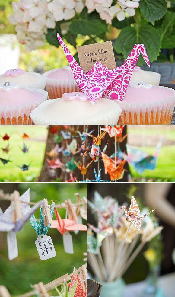 Origami para decorar tu boda: Preciosas ideas para decorar vuestra boda con figuras de origami: grullas de papel y flores de papel.