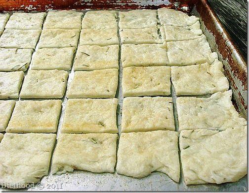Rosemary and Garlic Crackers | www.diethood.com | #crackers #recipe