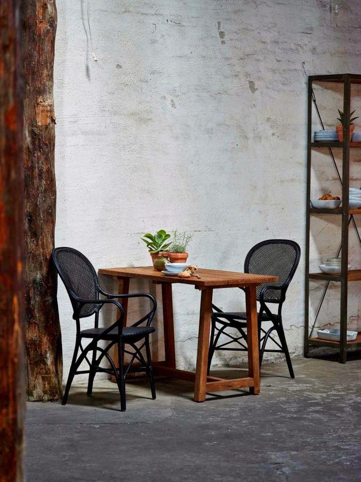 Krzesła rattanowe Rossini Black. Sika-Design