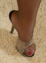 Résultats de recherche d'images pour «nylon feet wooden mule»