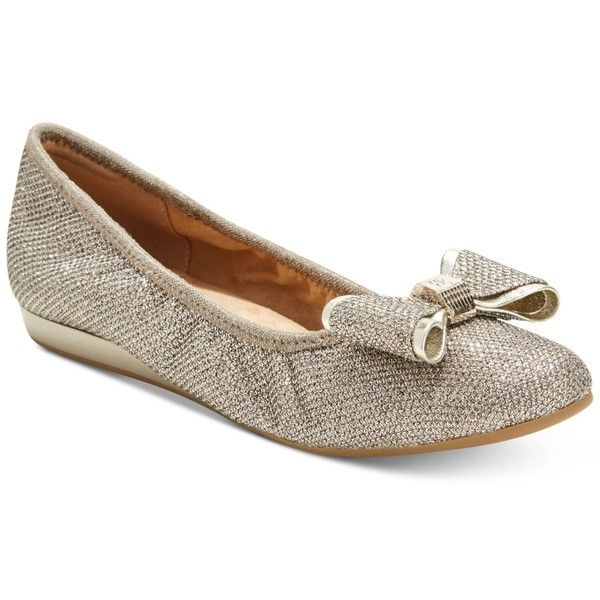 Bandolino Ferrista Bow Flats ($48) ❤ liked on Polyvore featuring shoes, flats, gold, bandolino shoes, wedge shoes, bow wedges shoes, wedge flats and gold wedge heel shoes