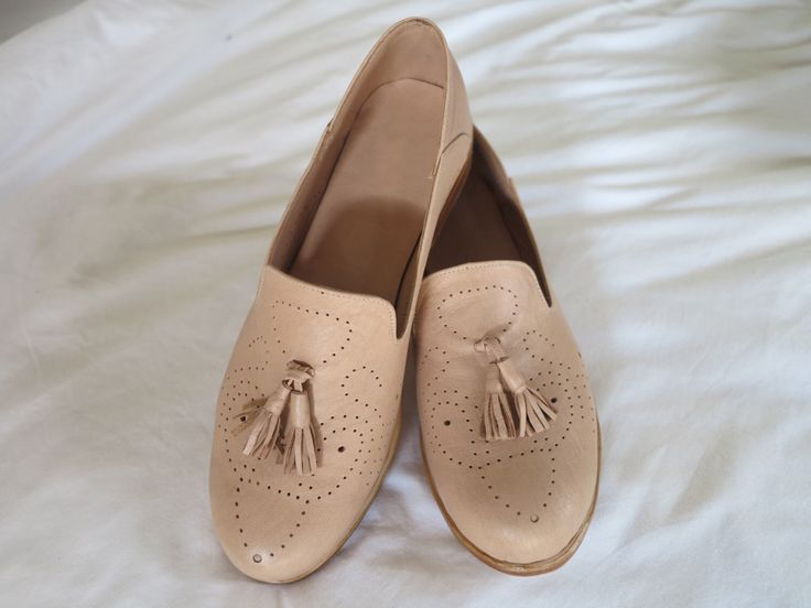 ALICE Ballet Flat | Womens Shoes / Ballet Flats / Custom Shoes / high quality leather / Available in mutliple colors by SpencerBootsAU on Etsy https://www.etsy.com/au/listing/506301977/alice-ballet-flat-womens-shoes-ballet