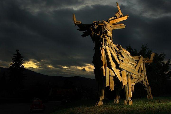 Gigantic Wooden Slat Animal Sculptures - My Modern Met