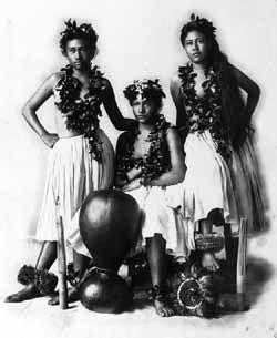 the native hawaiian language Hawaiian is not a native american language (the hawaiians are polynesian people), but since hawaii belongs to the united states and the hawaiian language faces similar survival issues to other indigenous american languages, they are often considered together for language revival purposes.