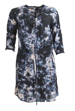 Smuk kjole fra Ofelia. Gratis fragt.