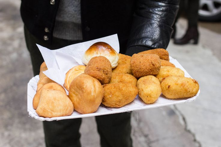 Palermo, che città magica! Ecco cosa ti consigliamo di vedere e dove mangiare. Perdersi tra le vie è il primo consiglio...